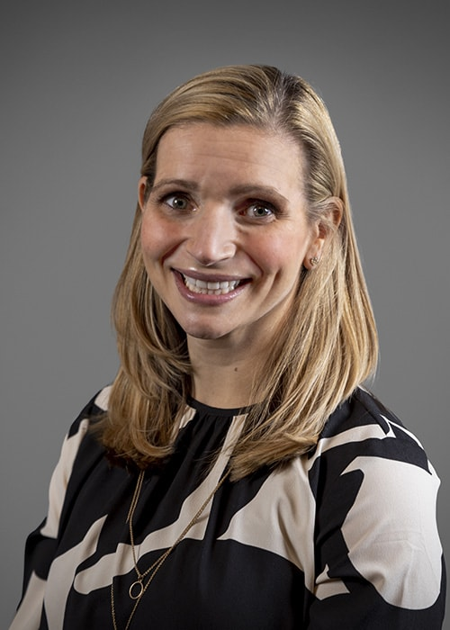 Dr. Erica Lesniak-Burns headshot image